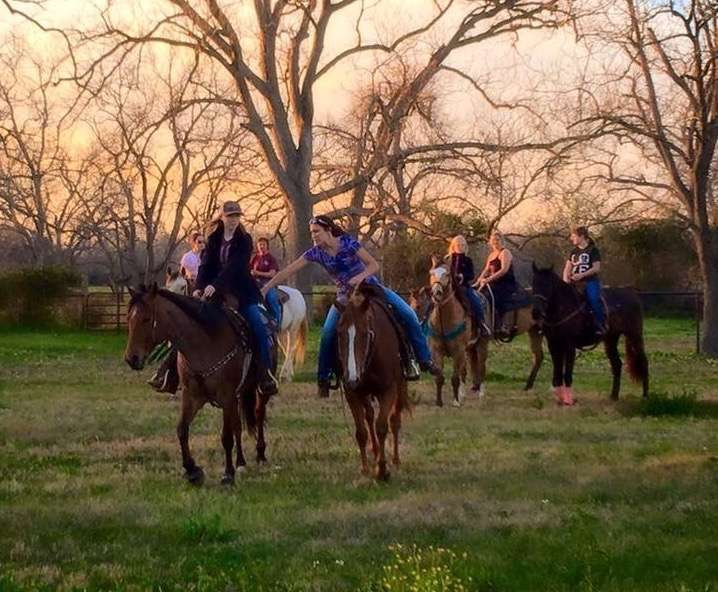 Becky Hellums Western Riding School - travel agency  | Photo 4 of 10 | Address: 2609 Holmes Rd, Richmond, TX 77469, USA | Phone: (281) 342-5355