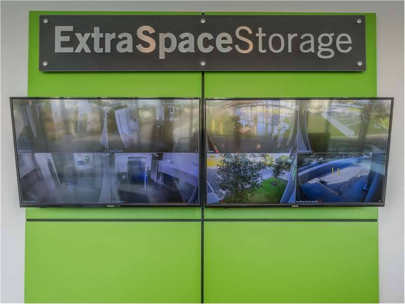 Extra Space Storage - moving company  | Photo 8 of 10 | Address: 5400 S West Shore Blvd, Tampa, FL 33611, USA | Phone: (813) 534-4475