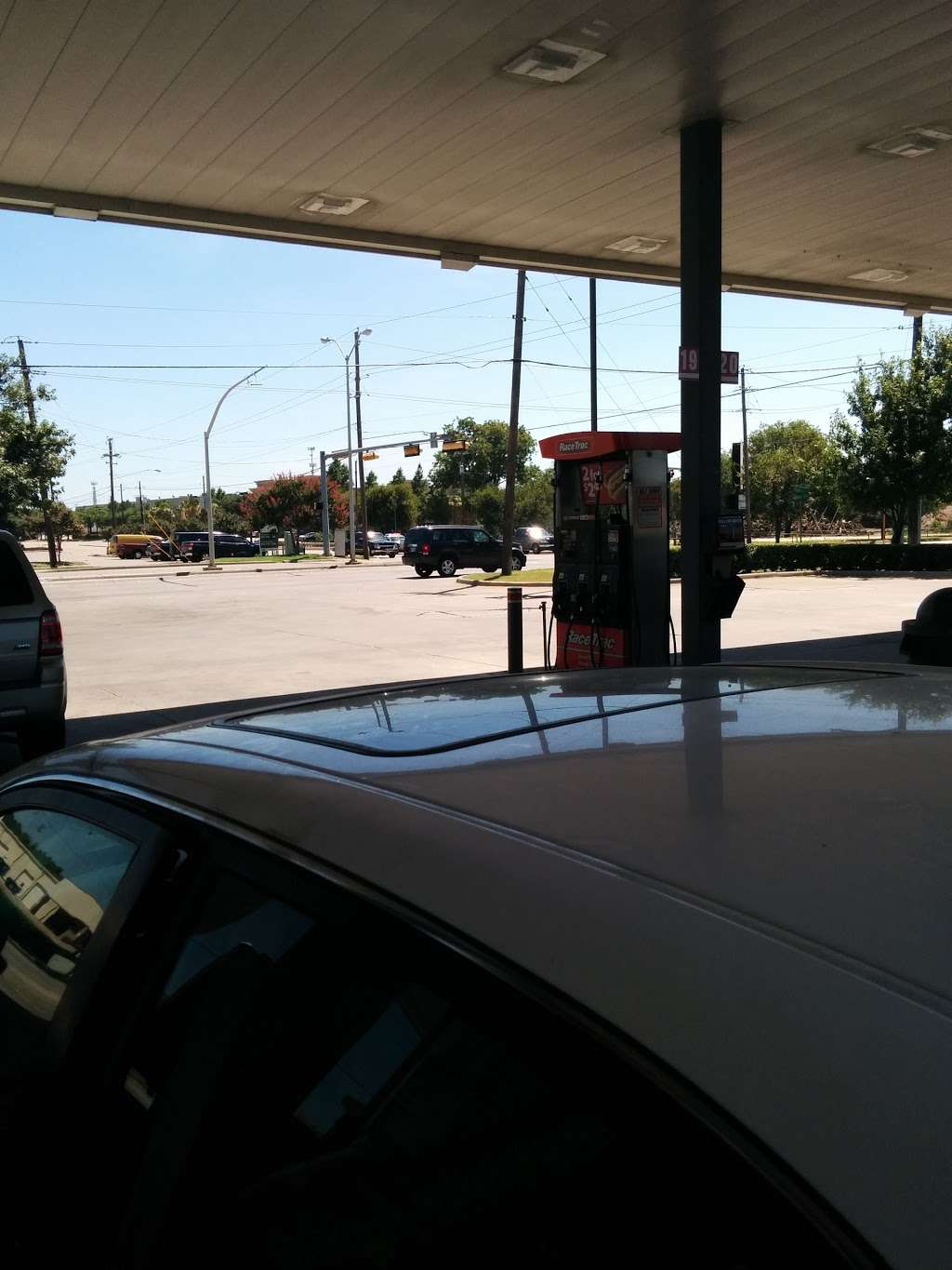 RaceTrac - gas station  | Photo 7 of 10 | Address: 10707 Miller Rd, Dallas, TX 75238, USA | Phone: (214) 221-7929
