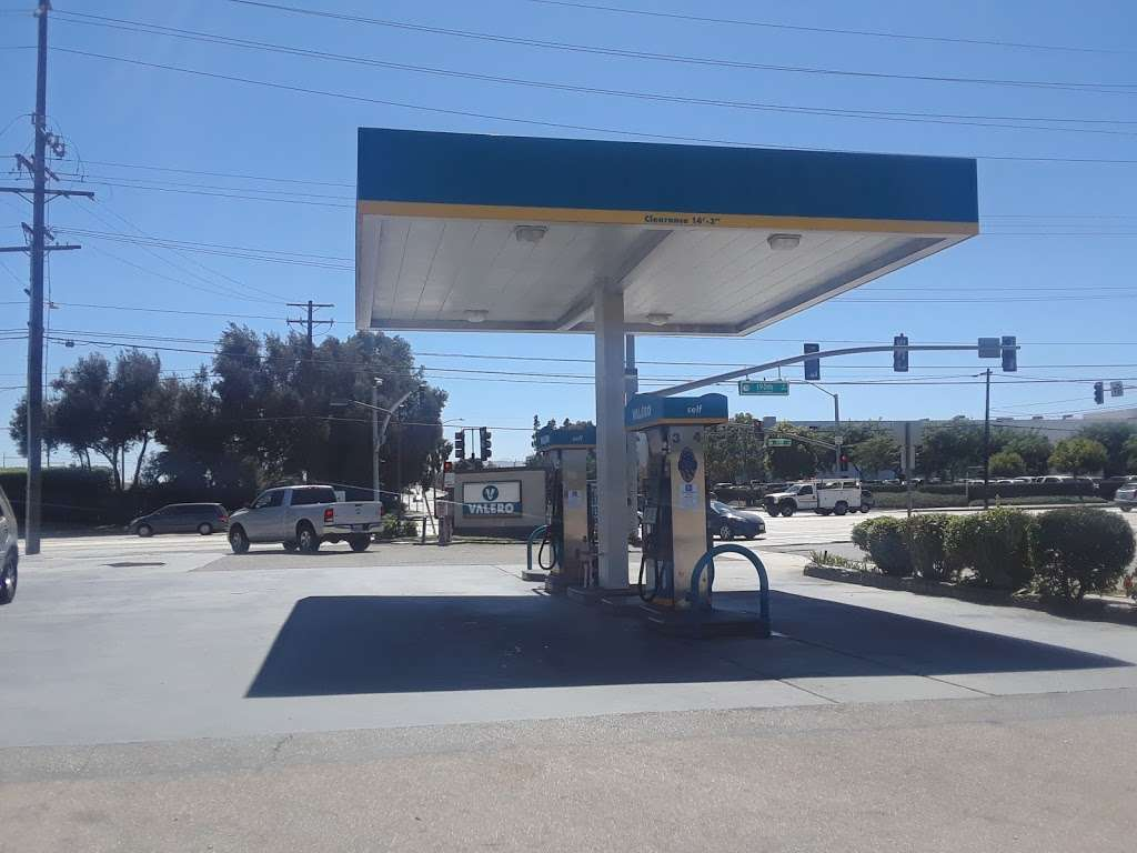 Torrance Valero and Auto Repair - gas station  | Photo 4 of 10 | Address: 3975 W 190th St, Torrance, CA 90504, USA | Phone: (310) 371-4806