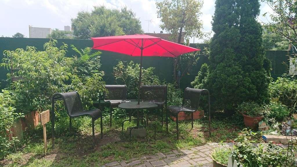 Hornaday Community Garden - park    Photo 7 of 10   Address: 851 Hornaday Pl, Bronx, NY 10460, USA   Phone: (347) 847-2525