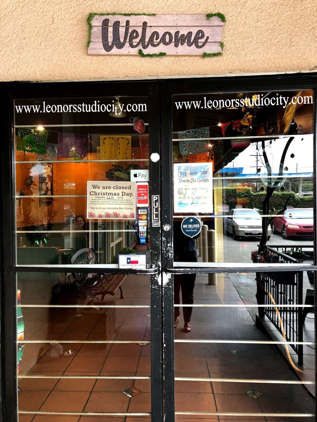Leonor's Mexican Vegetarian Restaurant - restaurant  | Photo 3 of 10 | Address: 12445 Moorpark St C, Studio City, CA 91604, USA | Phone: (818) 762-0660