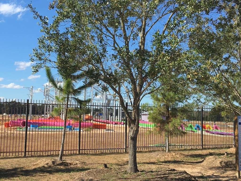Big Rivers Waterpark - amusement park  | Photo 10 of 10 | Address: 23101 TX-242, New Caney, TX 77357, USA | Phone: (832) 509-1556
