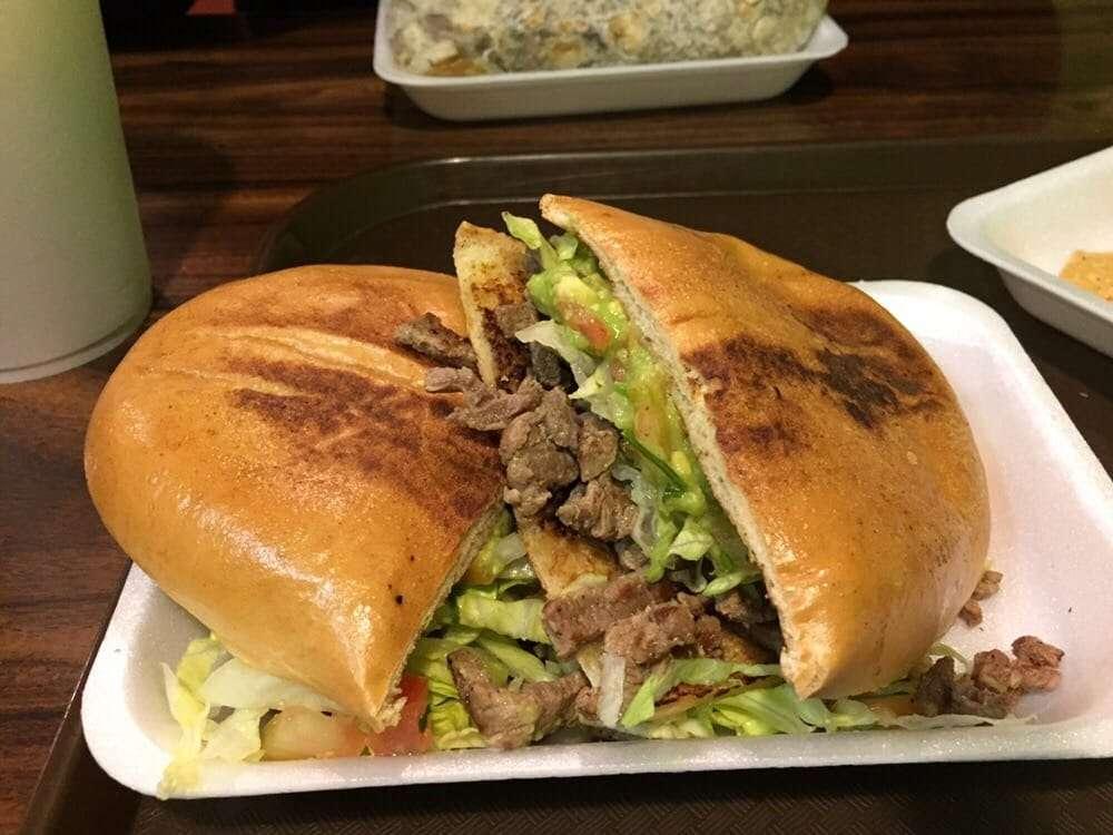 Tortas Juniors - restaurant    Photo 6 of 18   Address: Atenas #3751, Playas, Costa Azul, 22506 Tijuana, B.C., Mexico   Phone: 664 558 1585