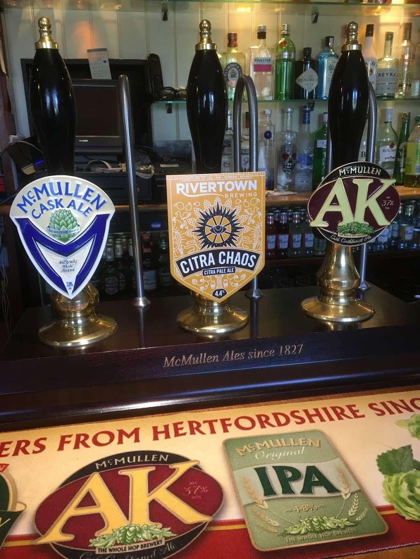 The Bright Star Pub - restaurant  | Photo 10 of 10 | Address: Kimpton Road, Peters Green, Luton LU2 9QP, UK | Phone: 01438 832351
