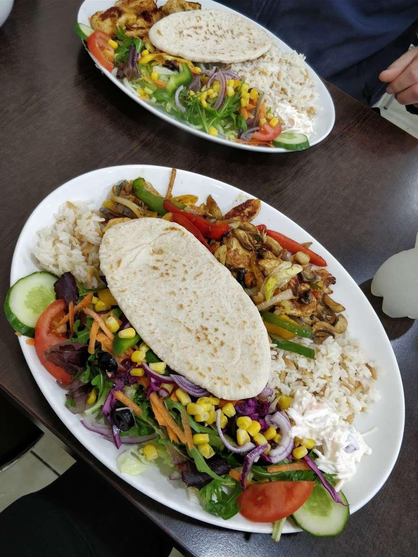 River Palace Cafe - cafe  | Photo 2 of 10 | Address: Dobbs Weir Rd, Hoddesdon EN11 0AZ, UK | Phone: 01992 214146