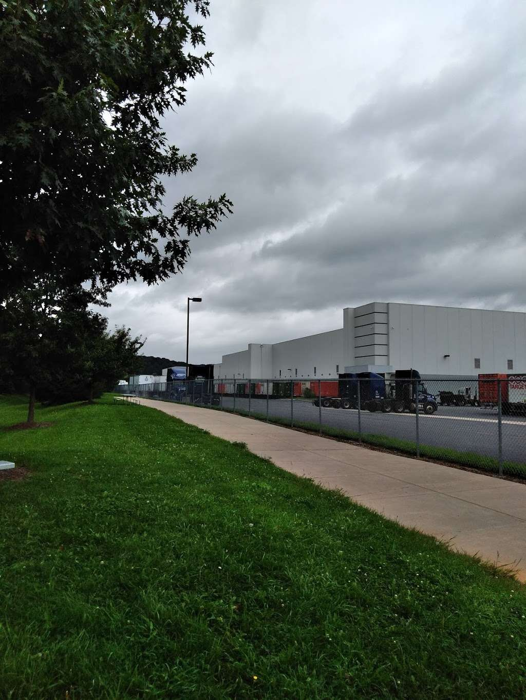 National Freight Inc - storage  | Photo 2 of 5 | Address: 910 Nestle Way, Breinigsville, PA 18031, USA | Phone: (610) 391-0653