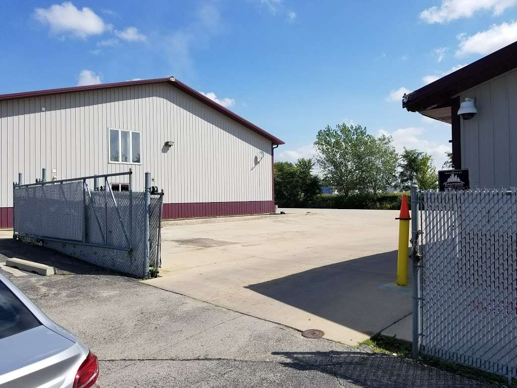 Shamrock Cartage Inc - moving company  | Photo 2 of 3 | Address: 760 Twin Rail Dr, Minooka, IL 60447, USA | Phone: (779) 205-3668