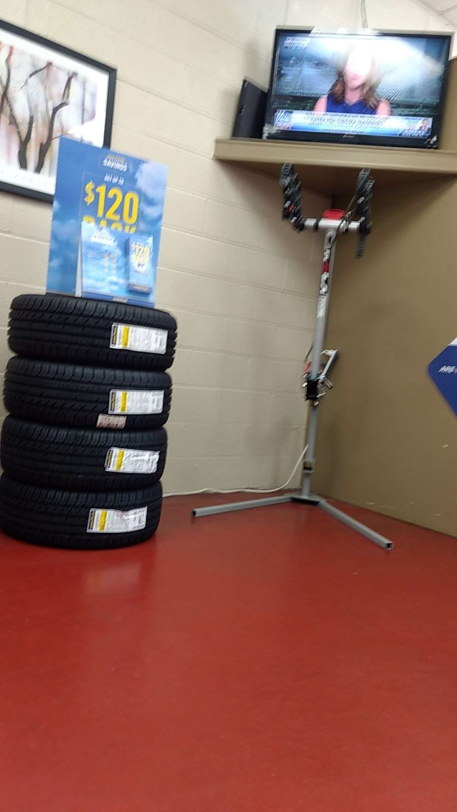 Mr. Tire Auto Service Centers - car repair  | Photo 5 of 10 | Address: 2323 Northwest Blvd, Newton, NC 28658, USA | Phone: (828) 355-1146