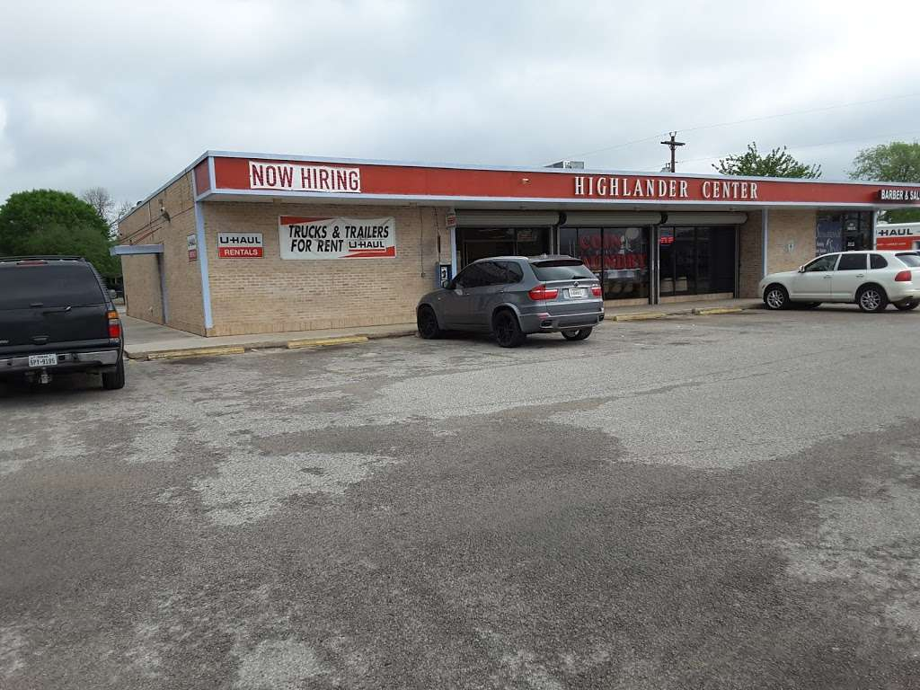 Highlander Center - laundry  | Photo 9 of 9 | Address: 405 Main St #403, Schertz, TX 78154, USA | Phone: (210) 659-7608