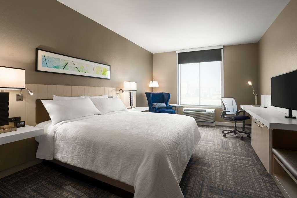 Hilton Garden Inn Houston-Baytown - lodging  | Photo 2 of 10 | Address: 4910 E Chase St, Baytown, TX 77521, USA | Phone: (281) 838-8208