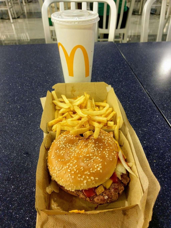 McDonalds - cafe  | Photo 9 of 10 | Address: Jfk Airport Terminal 8 Terminal 8, Jamaica, NY 11430, USA | Phone: (718) 244-8792