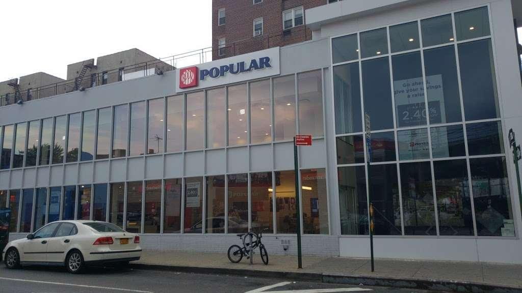 Popular Bank - bank  | Photo 2 of 4 | Address: 8322 Baxter Ave, Flushing, NY 11373, USA | Phone: (718) 335-4301