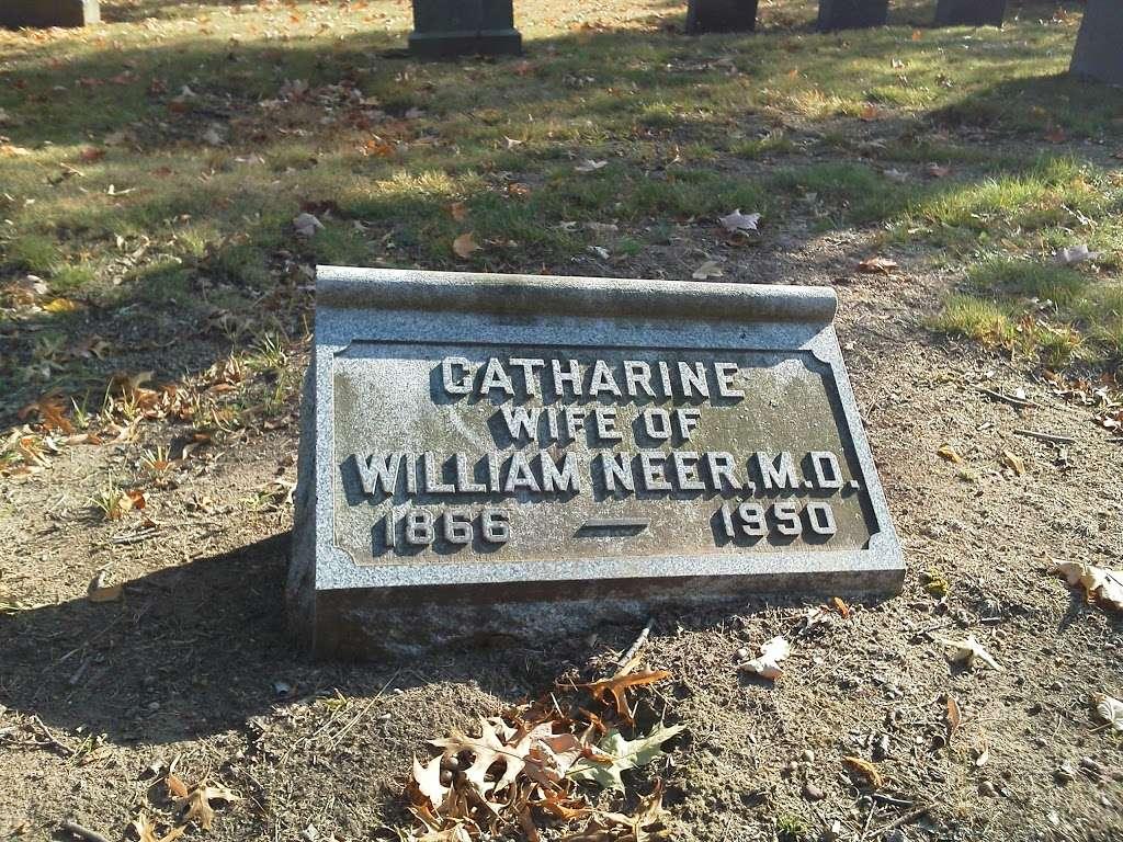 Cedar Lawn Cemetery - cemetery  | Photo 6 of 10 | Address: 200 McLean Blvd, Paterson, NJ 07504, USA | Phone: (973) 279-1161