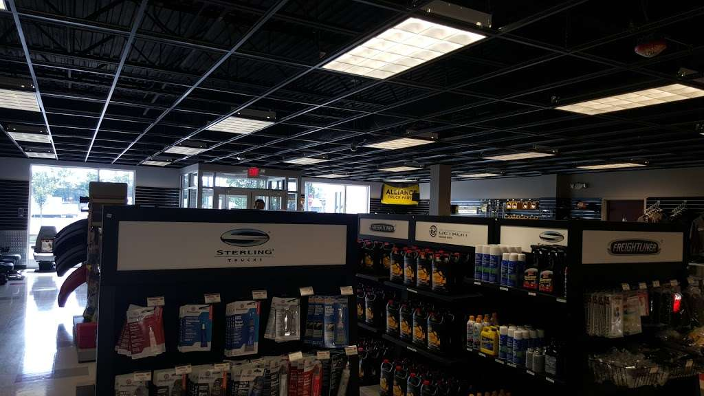 Campbell Supply Company - Campbell Freightliner LLC - store    Photo 7 of 10   Address: 1015 Cranbury South River Rd, Monroe Township, NJ 08831, USA   Phone: (732) 287-1500