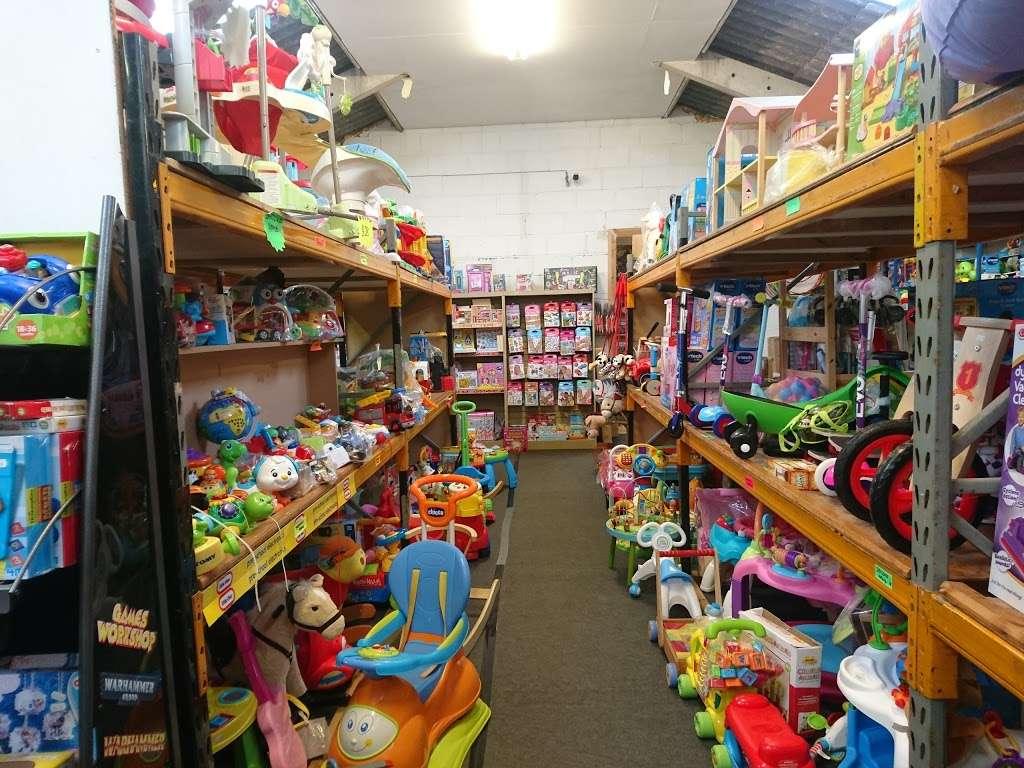 Toytime - store  | Photo 4 of 10 | Address: Leigh Rd, Tonbridge TN11 9AQ, UK | Phone: 01732 833695