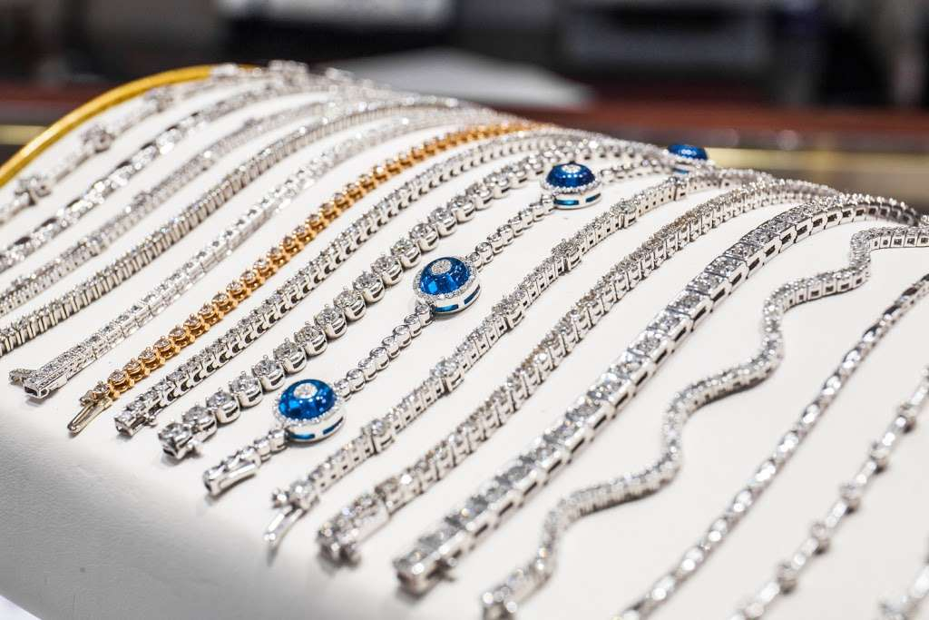 Lidyas Jewelry - jewelry store  | Photo 8 of 10 | Address: 515 River Rd, Edgewater, NJ 07020, USA | Phone: (201) 945-8985