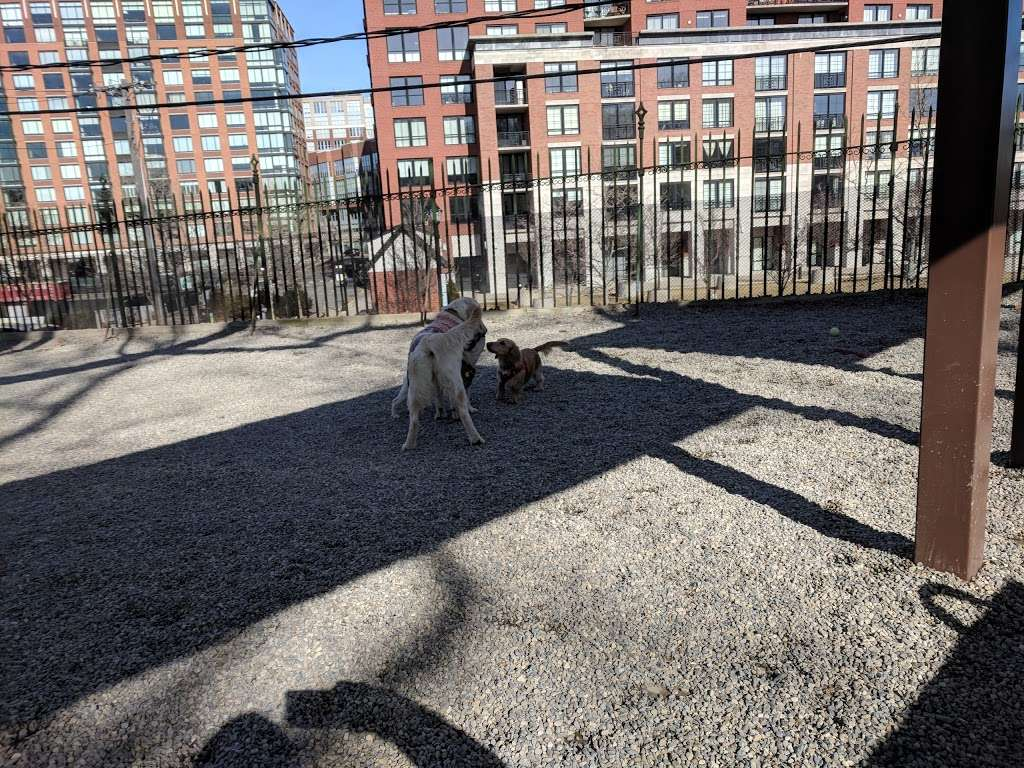 Elysian Park - park  | Photo 2 of 10 | Address: 1001 Hudson St, Hoboken, NJ 07030, USA | Phone: (201) 420-2012