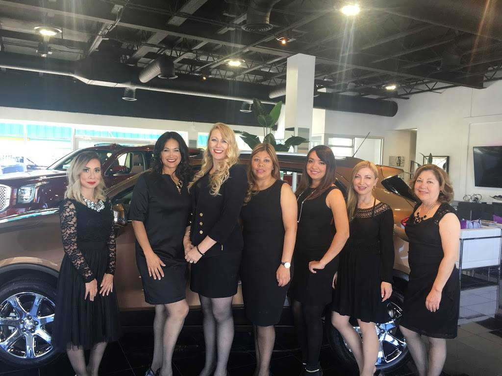 Crawford Ladies First - car dealer  | Photo 9 of 10 | Address: 6800 Montana Ave, El Paso, TX 79925, USA | Phone: (915) 774-9100