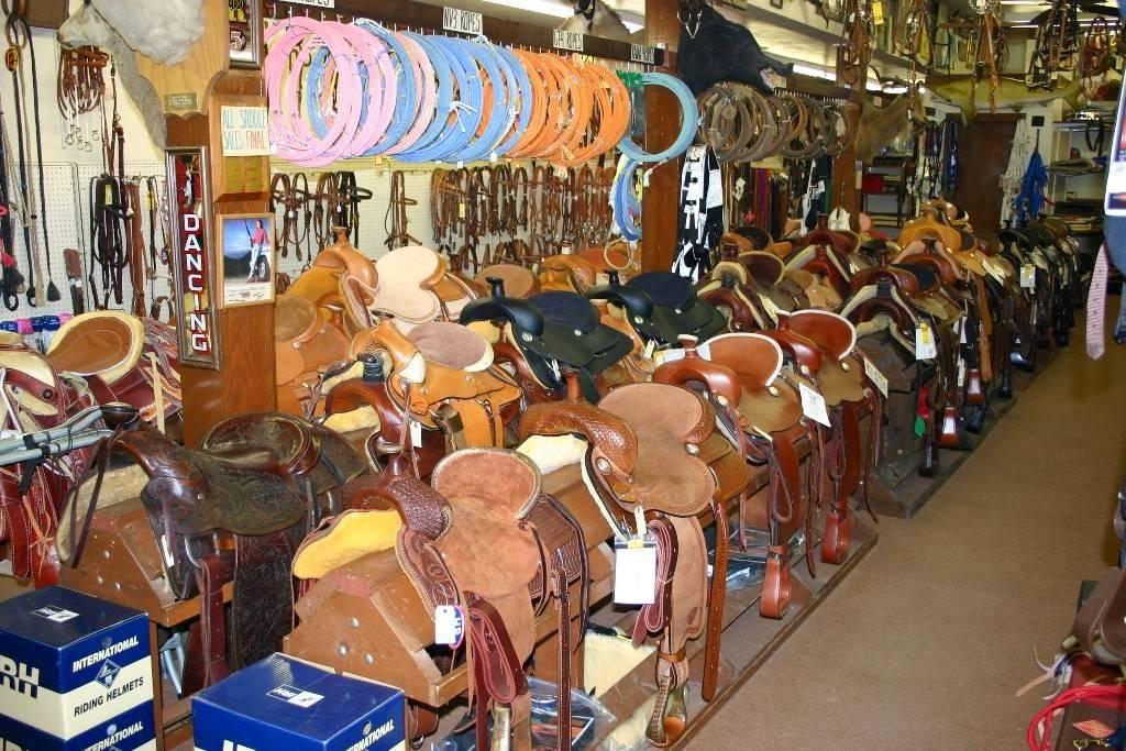 Nigros Western Stores - shoe store  | Photo 5 of 9 | Address: 3320 Merriam Ln, Kansas City, KS 66106, USA | Phone: (913) 262-7500