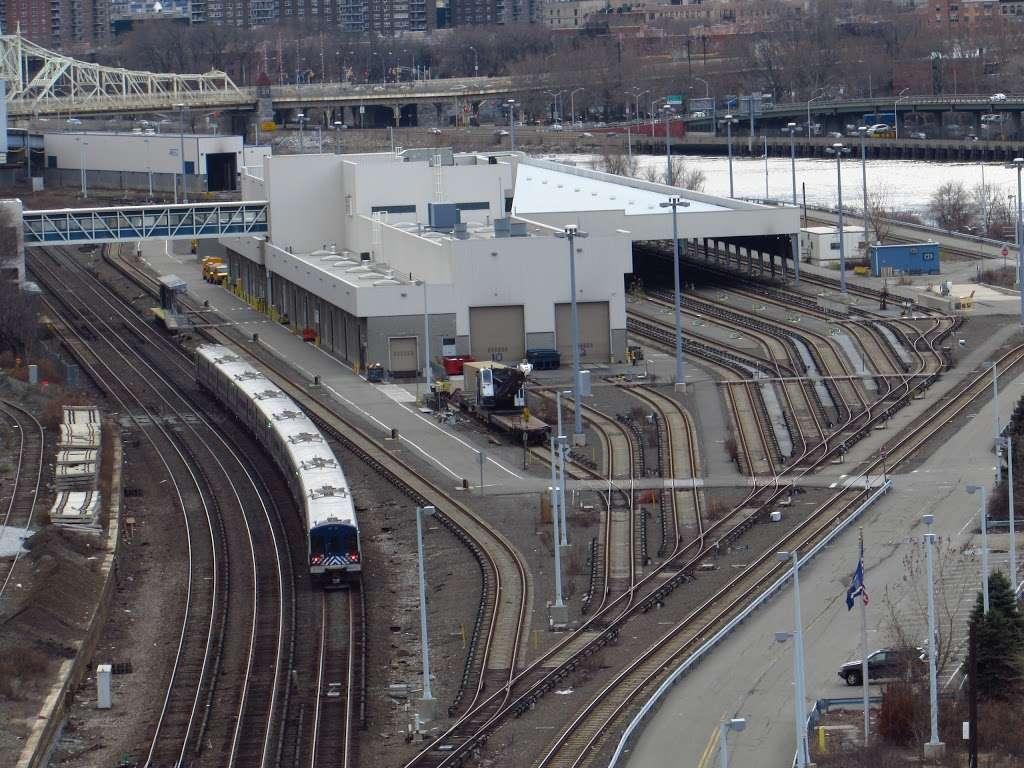 Metro North Railroad - Highbridge Yard - train station  | Photo 2 of 10 | Address: Depot Pl, Bronx, NY 10452, USA | Phone: (212) 532-4900