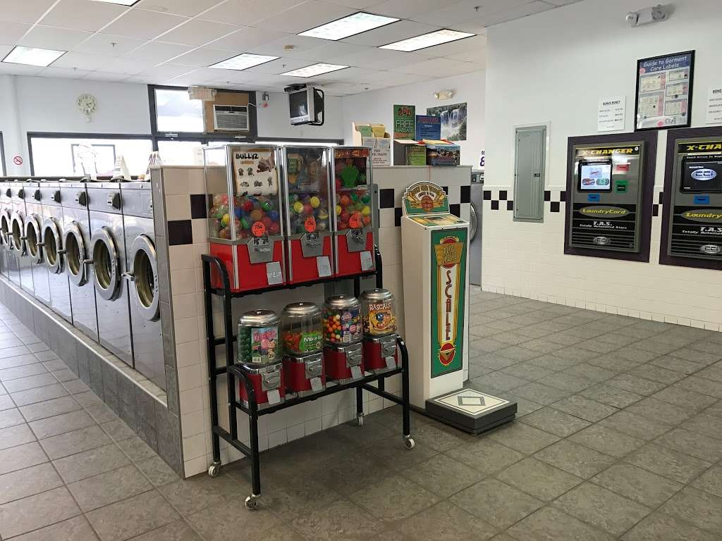 Scrubs Laundromat - laundry  | Photo 3 of 9 | Address: 315 Main St #4, Little Ferry, NJ 07643, USA | Phone: (201) 440-3343