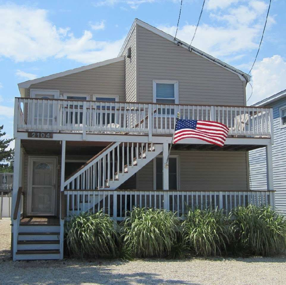 Beach Haven Shore House Rental - real estate agency    Photo 1 of 4   Address: 2104 S Bay Ave, Beach Haven, NJ 08008, USA   Phone: (908) 303-3039