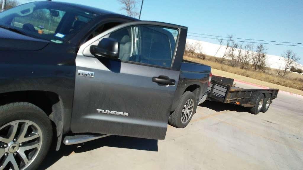 LKQ - car repair  | Photo 5 of 10 | Address: 17745 Lookout Rd Suite 100, Selma, TX 78154, USA | Phone: (210) 666-1190