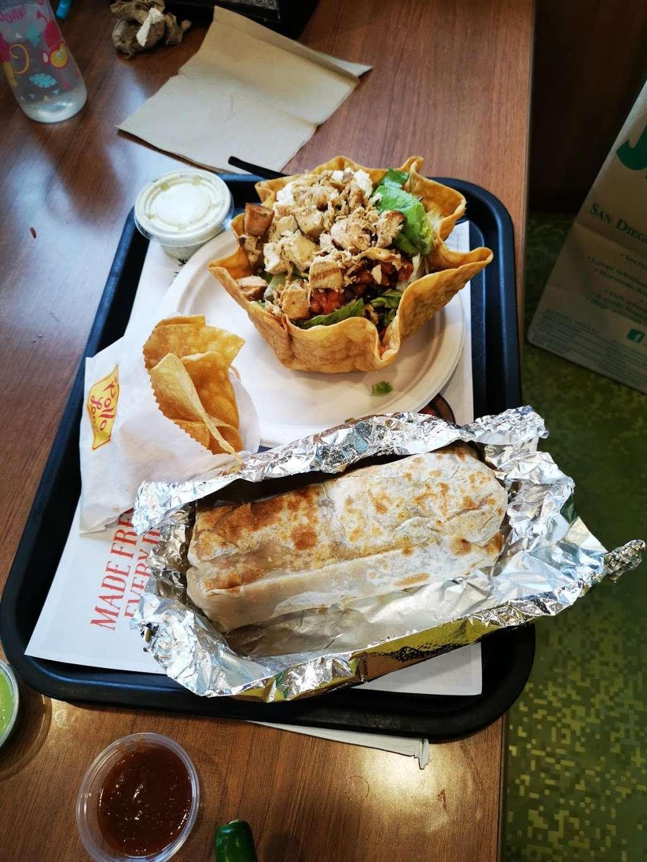 El Pollo Loco - restaurant  | Photo 6 of 10 | Address: 12847 El Camino Real, San Diego, CA 92130, USA | Phone: (858) 847-0285