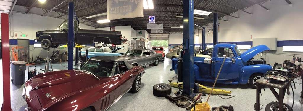 Joes Garage and Customs - car repair  | Photo 1 of 10 | Address: 2050 E Algonquin Rd, Algonquin, IL 60102, USA | Phone: (847) 458-1050