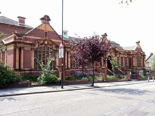 Carnegie Library - library  | Photo 9 of 10 | Address: 188 Herne Hill Rd, Herne Hill, London SE24 0AG, UK | Phone: 020 7926 0750