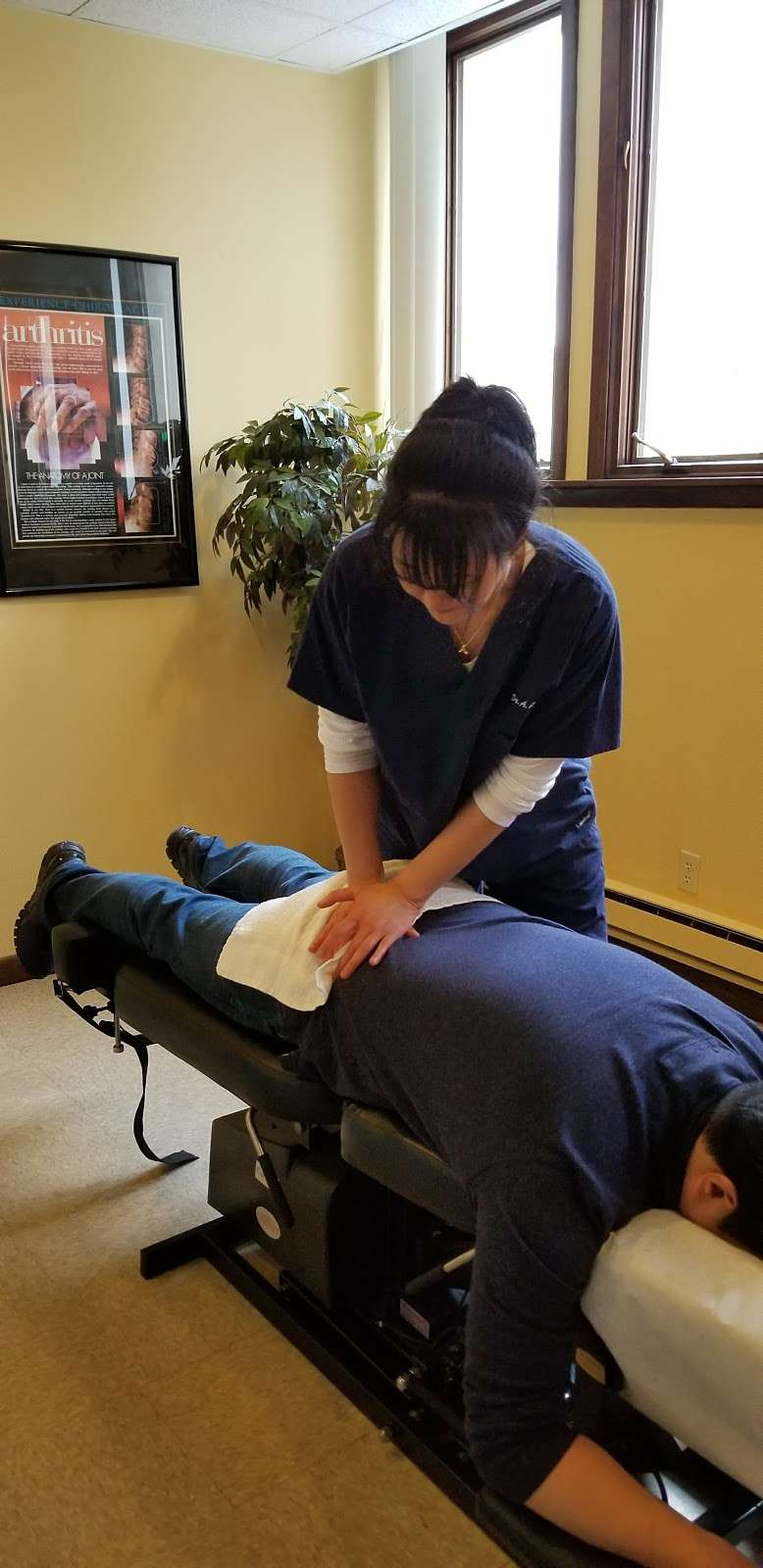 Annalee Chiropractic Care - doctor  | Photo 4 of 10 | Address: 920 Main St 2nd floor, Hackensack, NJ 07601, USA | Phone: (201) 530-0060