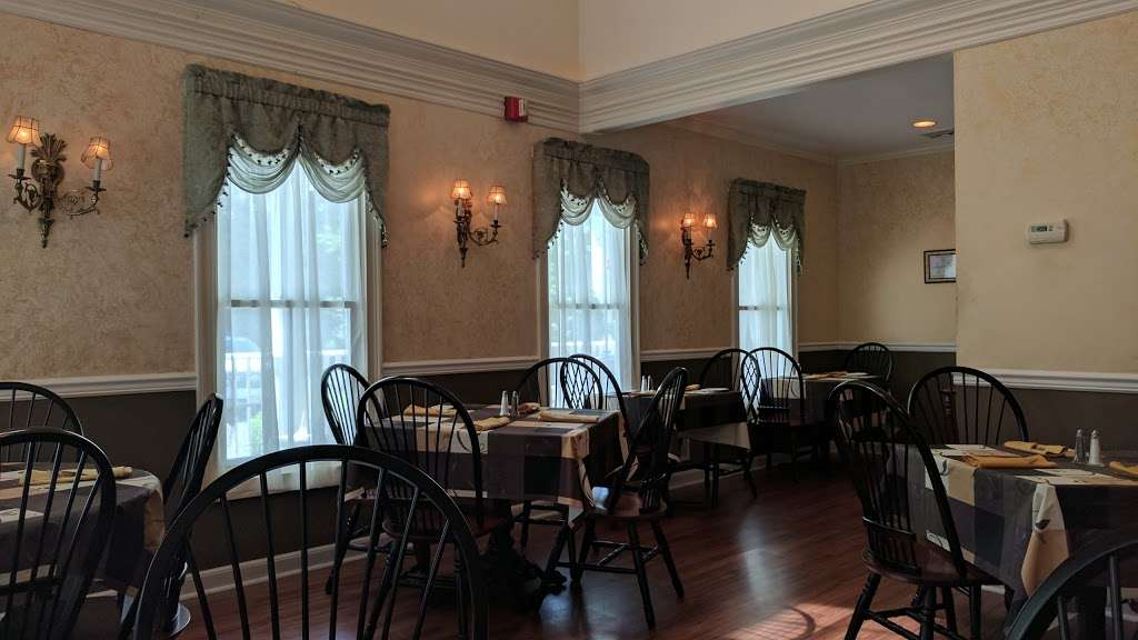Long Hill Tavern - restaurant  | Photo 9 of 10 | Address: 632 Meyersville Rd, Gillette, NJ 07933, USA | Phone: (908) 647-6302