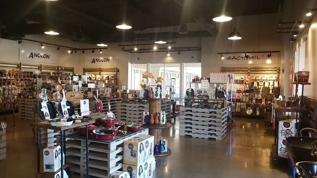 Pots & Pans Kitchenware Outlet - furniture store    Photo 4 of 6   Address: 232 Nut Tree Rd, Vacaville, CA 95687, USA   Phone: (707) 451-8695