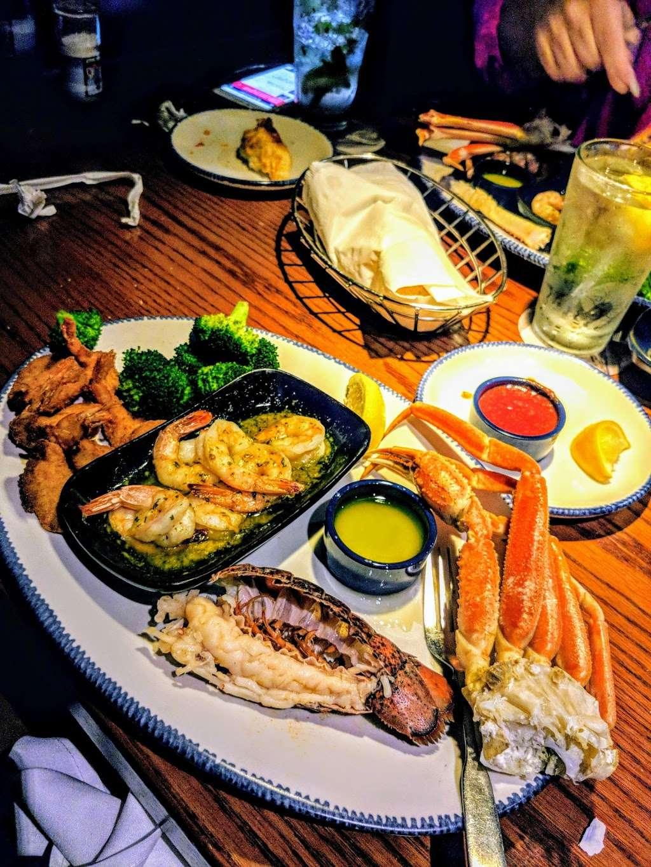 Red Lobster - restaurant  | Photo 8 of 10 | Address: 4717 I-10, Baytown, TX 77521, USA | Phone: (281) 421-5656