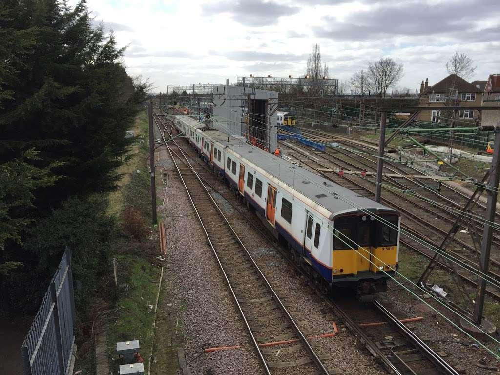 Chingford - train station  | Photo 4 of 10 | Address: London E4 6AL, UK