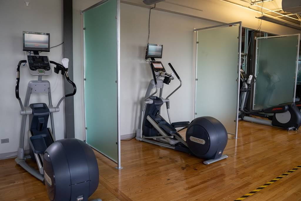 Lakeshore Sport & Fitness - gym    Photo 10 of 10   Address: 1320 W Fullerton Ave, Chicago, IL 60614, USA   Phone: (773) 348-6377