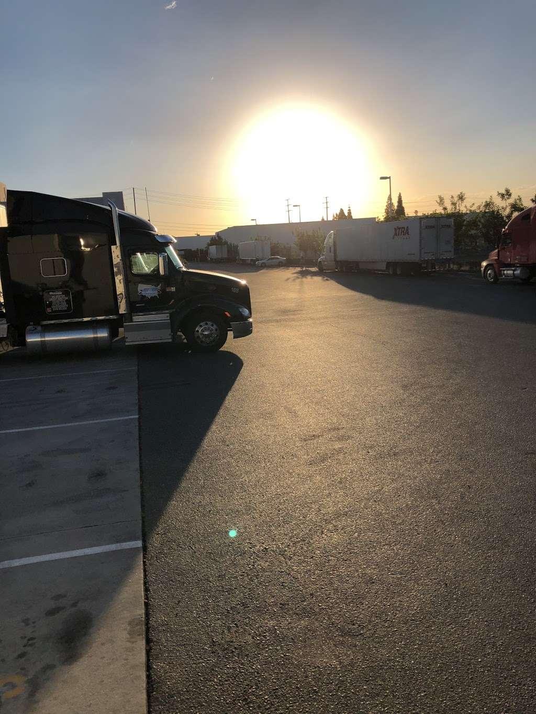 Priority 1 Warehouse - storage  | Photo 6 of 6 | Address: 16400 Knott Ave, La Mirada, CA 90638, USA | Phone: (714) 735-5464
