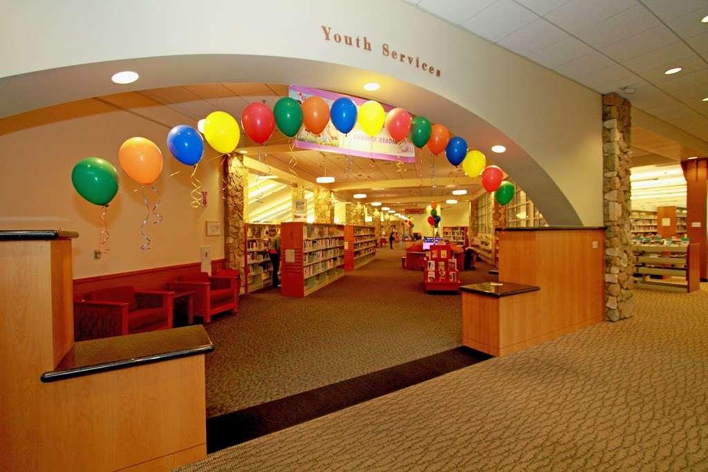 Livermore Public Library - Civic Center - library  | Photo 3 of 10 | Address: 1188 S Livermore Ave, Livermore, CA 94550, USA | Phone: (925) 373-5500