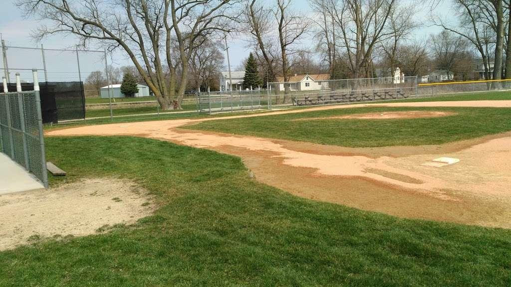 Sponable Little League Park - park    Photo 3 of 7   Address: 137 N Sponable St, Marengo, IL 60152, USA