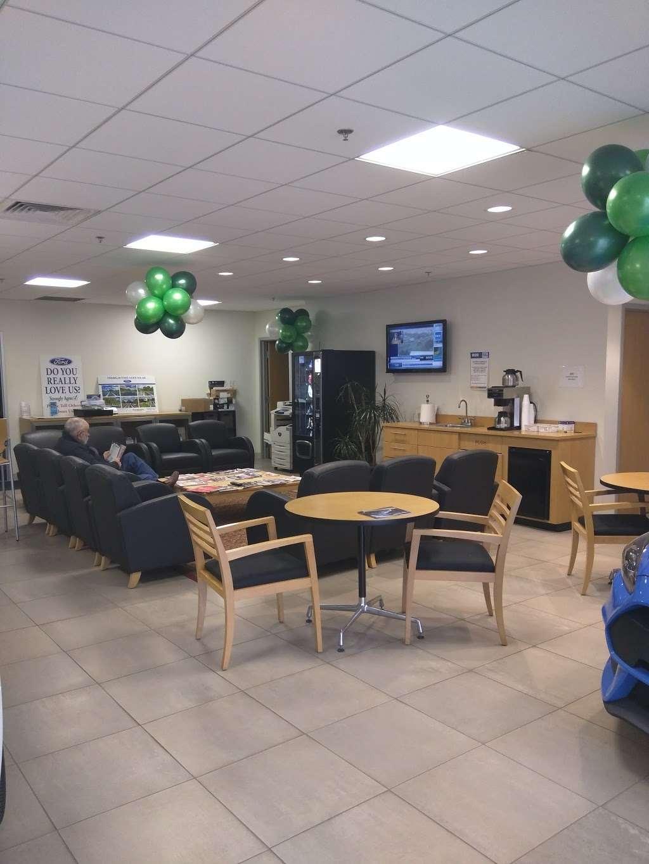 Franklin Ford - car rental  | Photo 6 of 10 | Address: 175 East Central Street, Franklin, MA 02038, USA | Phone: (508) 570-4022