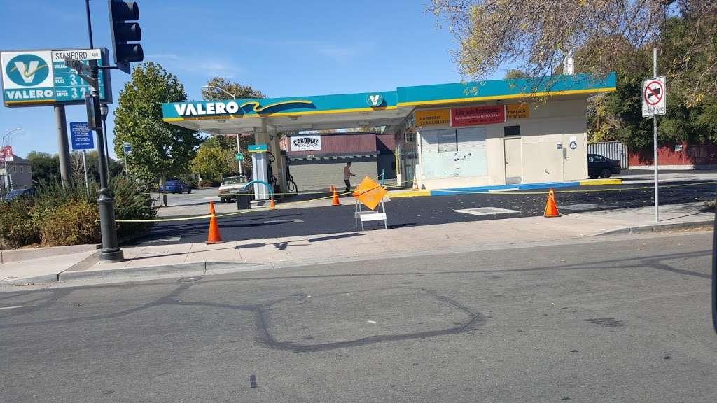 Valero - gas station  | Photo 3 of 8 | Address: 1963 El Camino Real, Palo Alto, CA 94306, USA | Phone: (650) 321-2662