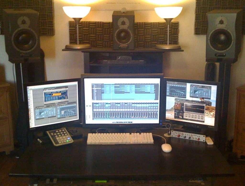 Unne Liljeblad - Mix Engineer and Vocal Producer - electronics store  | Photo 1 of 1 | Address: 845 Riverside Dr, New York, NY 10032, USA | Phone: (646) 875-8663