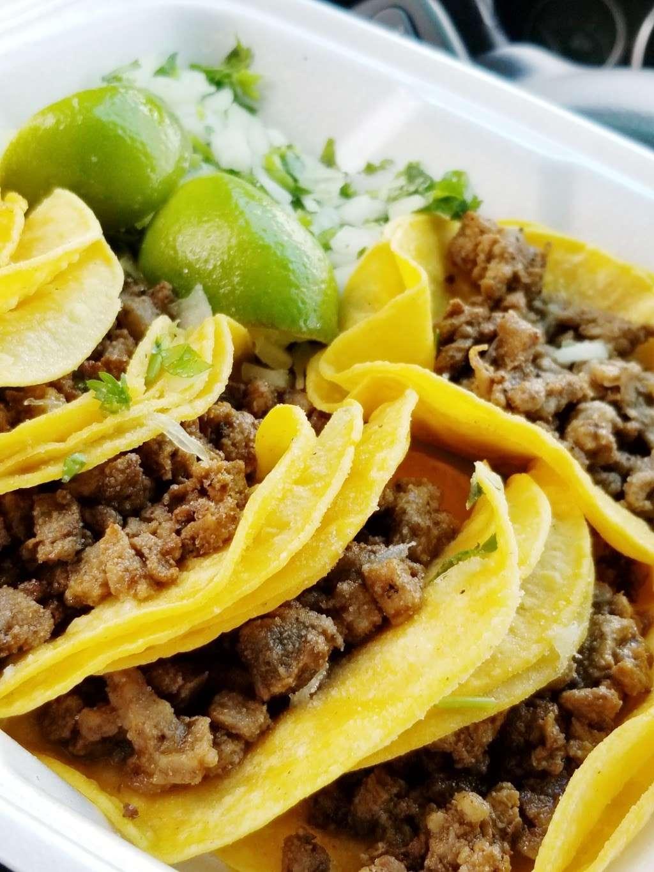 Tacos La Addiccion - restaurant  | Photo 5 of 10 | Address: 4970 W Illinois Ave, Dallas, TX 75211, USA | Phone: (214) 453-1580