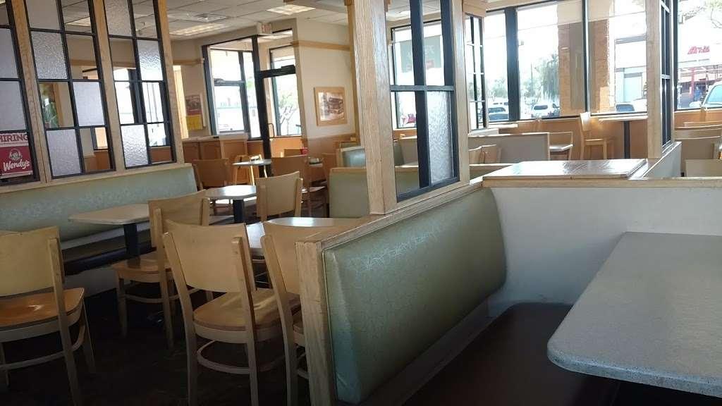 Wendys - restaurant  | Photo 4 of 10 | Address: 1405 W Baseline Rd, Tempe, AZ 85283, USA | Phone: (480) 756-0582