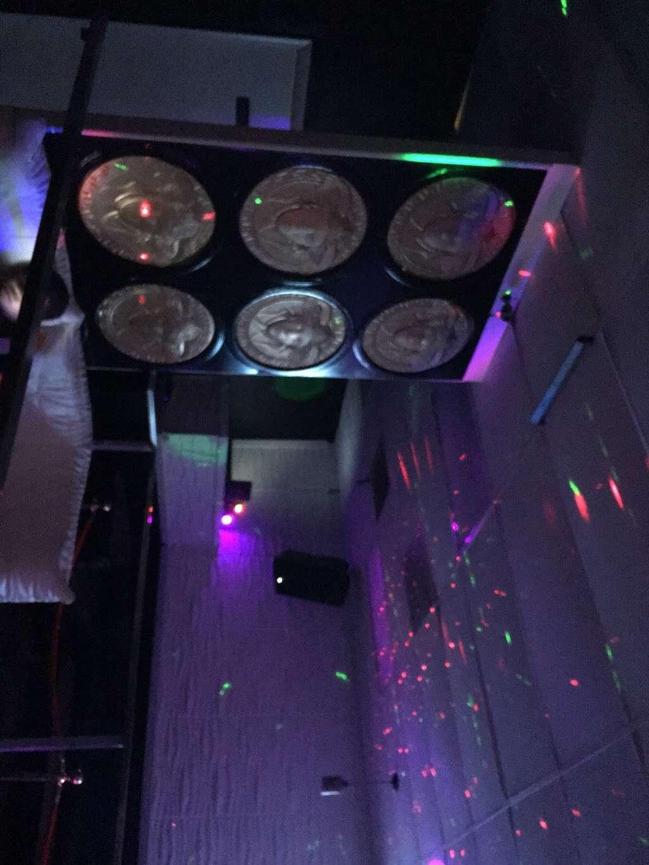Snap Banquet Event Center - restaurant  | Photo 2 of 4 | Address: 8833 Greenbelt Rd, Lanham, MD 20706, USA | Phone: (301) 379-0113