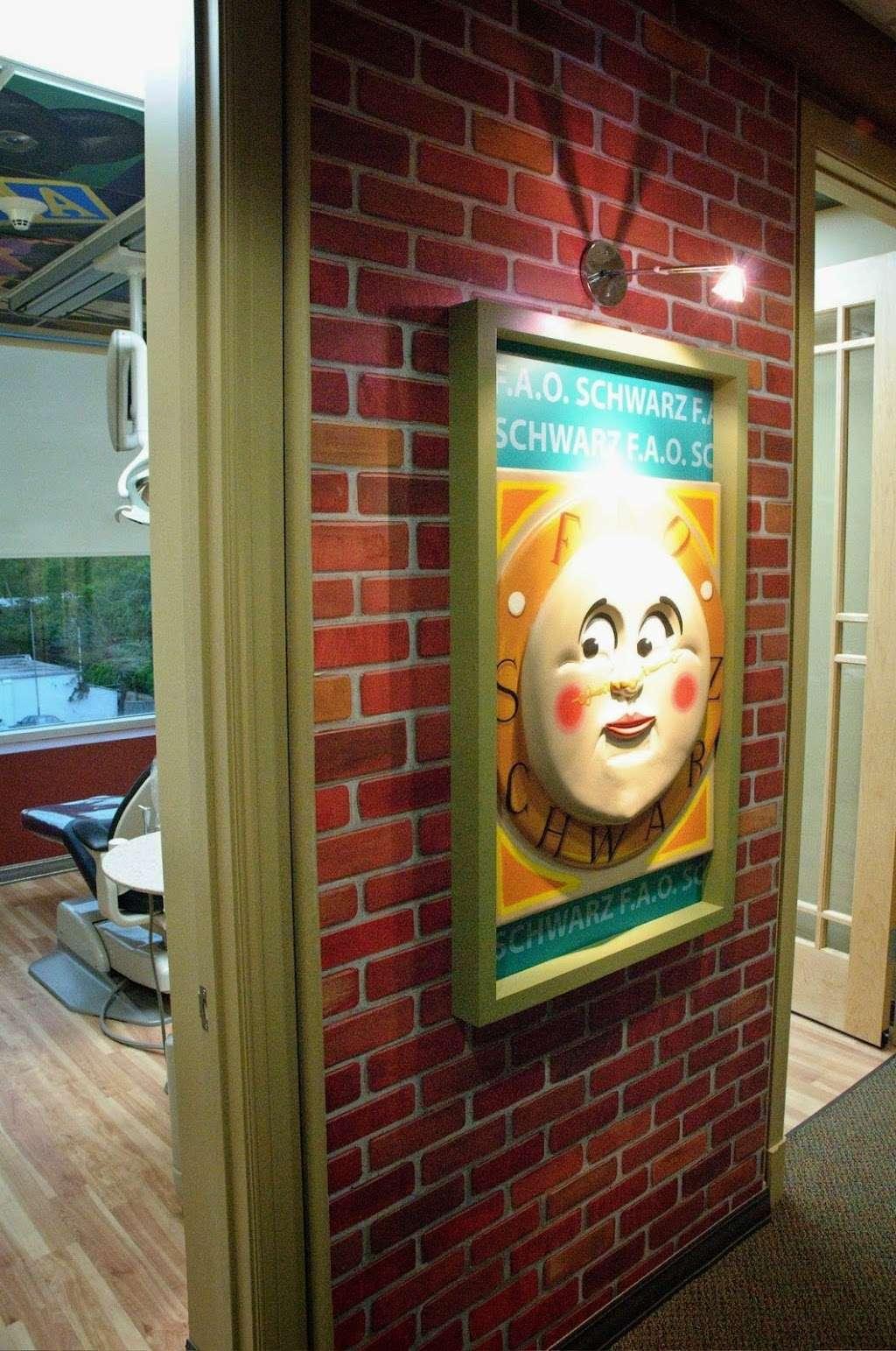 Kid Island Dental at Great Neck Dental Associates - dentist  | Photo 7 of 8 | Address: 611 Northern Blvd #100, Great Neck, NY 11021, USA | Phone: (516) 487-5500