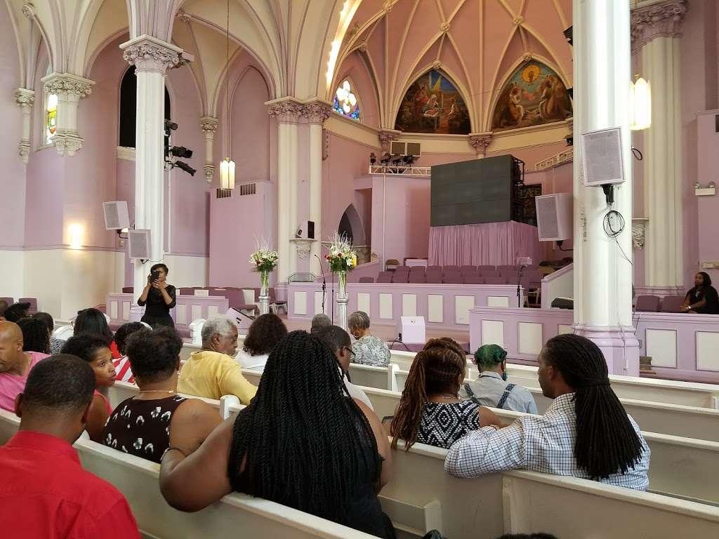 Salem Baptist Church - church    Photo 1 of 1   Address: 11800 S Indiana Ave, Chicago, IL 60628, USA