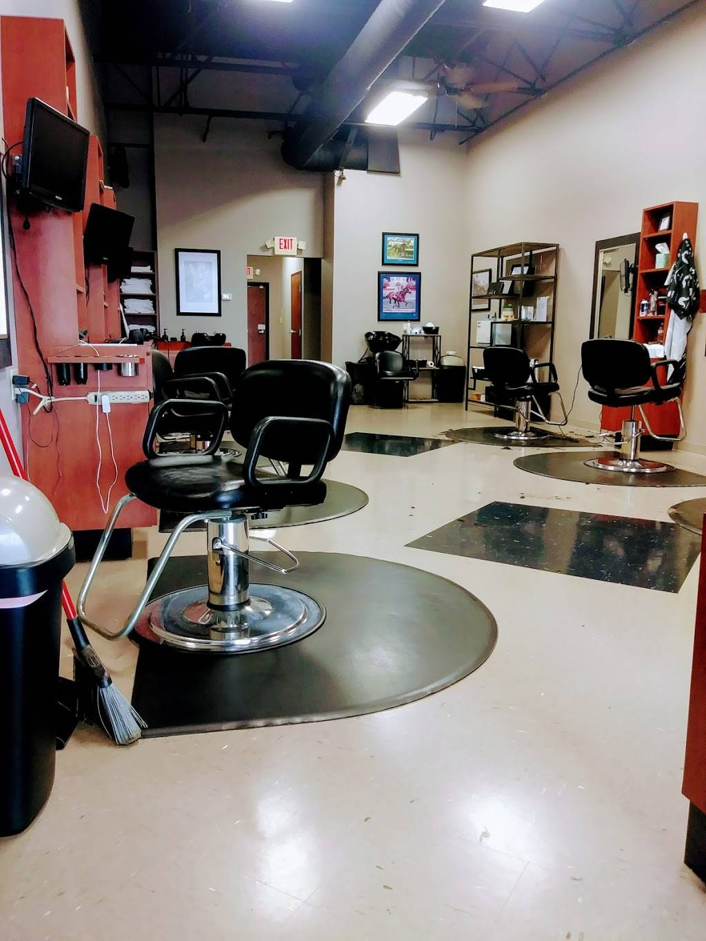 Make the Cut - hair care  | Photo 9 of 10 | Address: 4317 Charlestown Rd # 2, New Albany, IN 47150, USA | Phone: (812) 944-4636