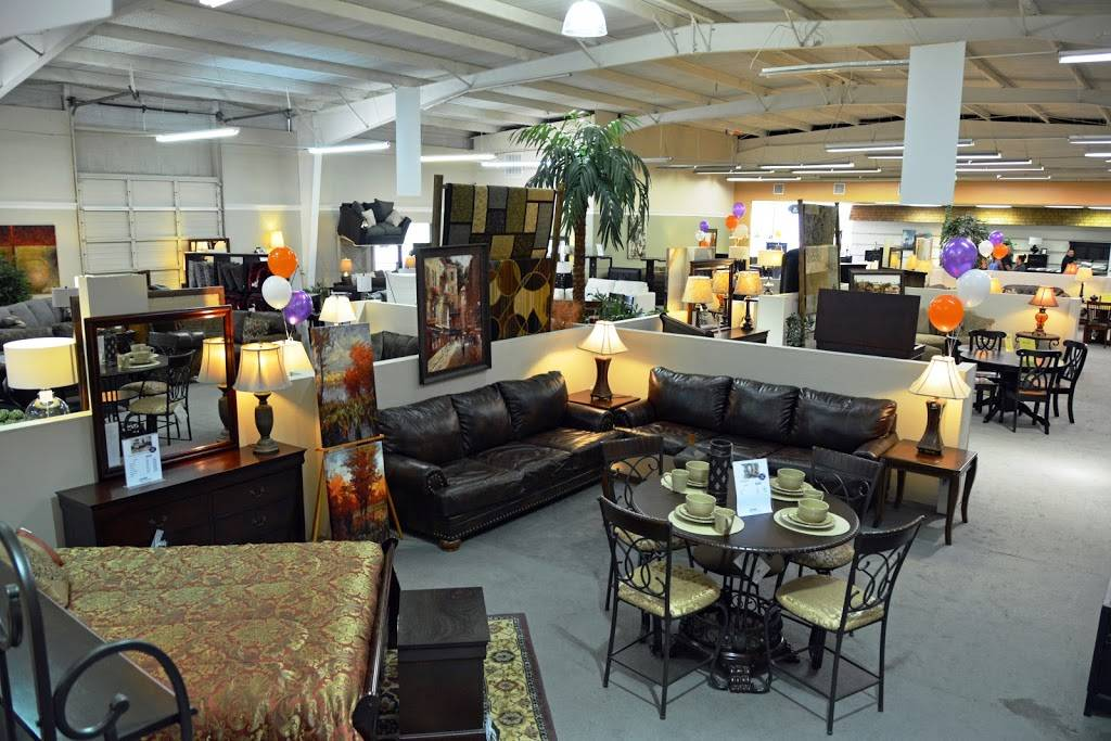 Fashion Home Furniture - furniture store  | Photo 4 of 5 | Address: 336 W Interstate 30, Garland, TX 75043, USA | Phone: (972) 272-3639